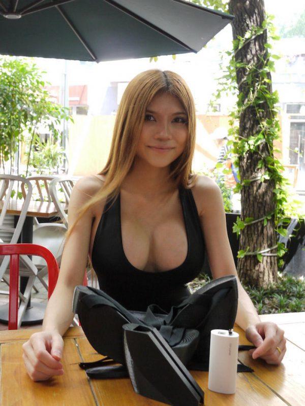Sexy hacker 5