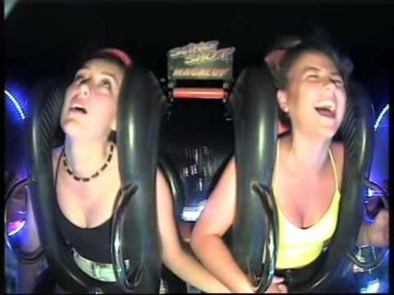 Girl Passing Out On Slingshot Ride Is The Funniest Thing You'll See Today!