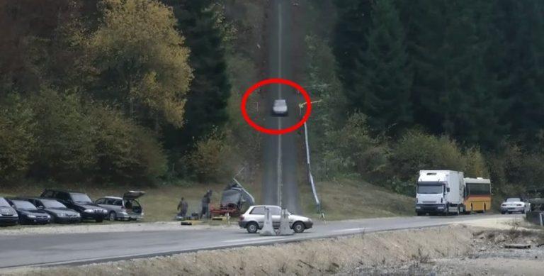 Intense Car Crash Test Shows What Happens When a Car Crashes At 125mph…