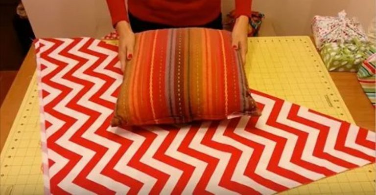 She Makes This Beautiful Pillow Case Without A Needle Or Thread – This Is AMAZING!