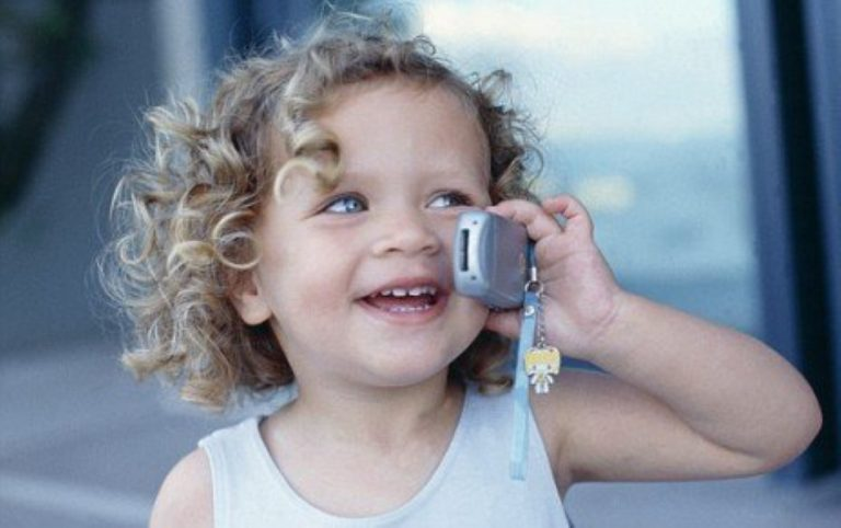 WATCH: 5 Year-Old Calls 911 For Her Dad.  Now Just Listen To What She Says… OMG!